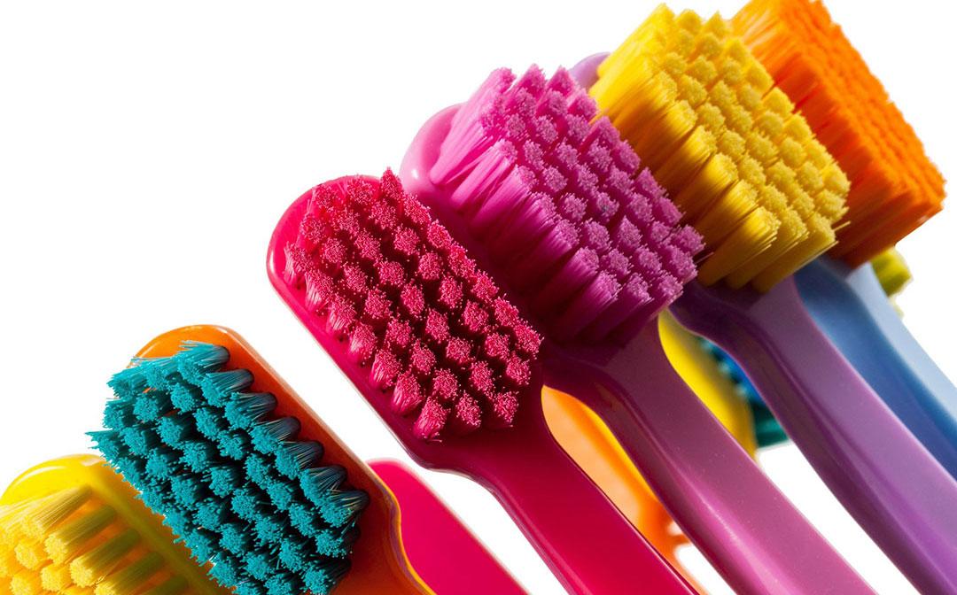 Saiba como escolher melhor escova de dente infantil
